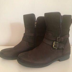 UGG - Waterproof Robbie Boots